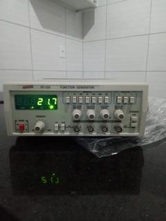 Gerador De Funções Digital 0,1hz A 2mhz 7 Escalas Mod.gf-220