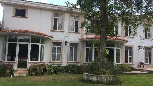 Se Vende Hermosa Residencia . La Ceiba, Mérida