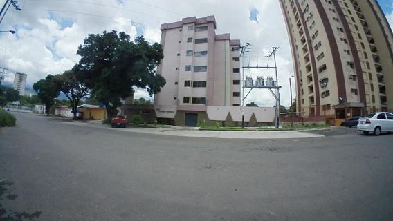 Venta Comodo Apartamento Naguanagua 20-11261 Maria Zambrano