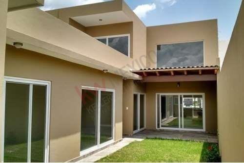 Casa De Una Planta En Renta En Cumbres Del Lago Juriquilla, Querétaro
