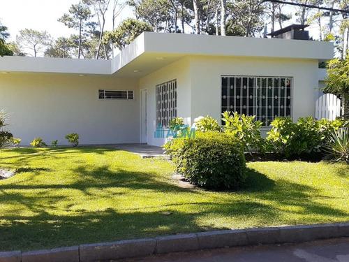 Imagen 1 de 24 de Casa En San Rafael, Buena Construcción- Ref: 134