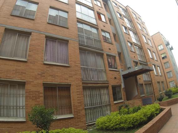 Rentahouse Vende Apartamento En Hayuelos Mls 19-51