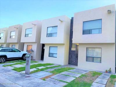 Casa En Renta En Sonterra, Queretaro, Rah-mx-20-1138