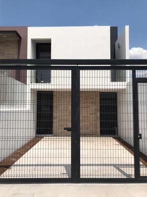 Casa Funcional Para Tu Ritmo De Vida, Seguridad Y Ubicación