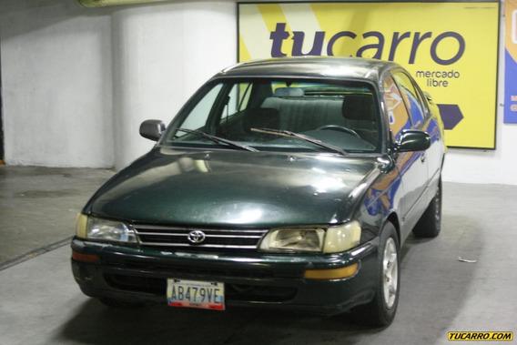 Toyota Corolla Sedan
