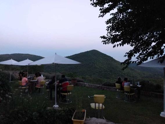 Restaurante Exclusivo De Montaña