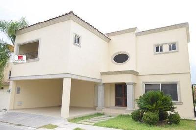 Casa En Renta En Fracc. Maestranzas - Zona Carretera Nacional (aah)