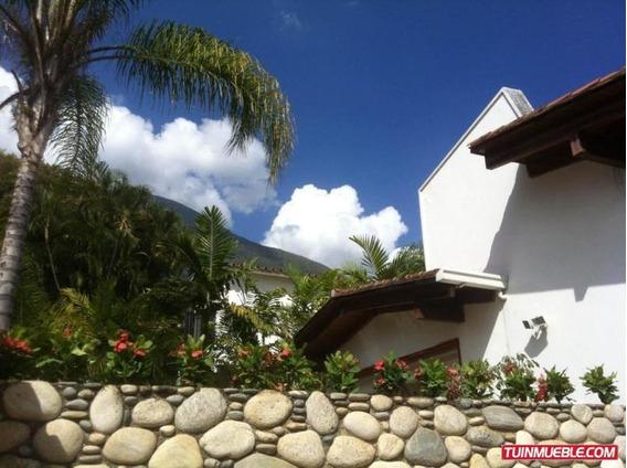 Casa En Venta Urb. Altamira Cod. 19-11865