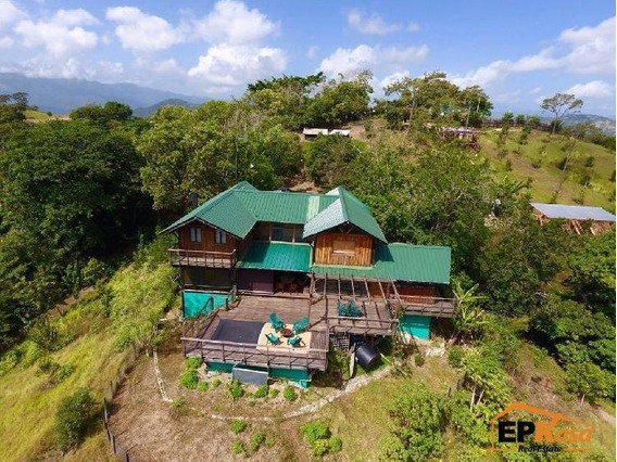Villa De Venta Con Jacuzzi En Hatillo, Jarabacoa Rmv-193