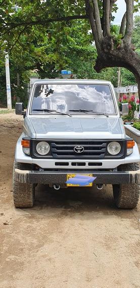 Toyota Macho 4.500 Corto