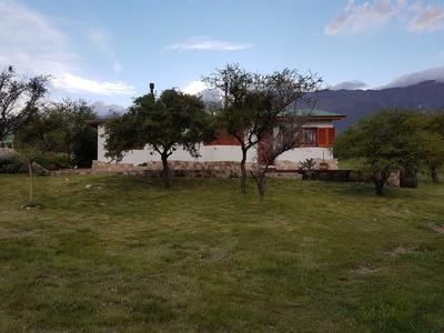 Hermosa Casa De 5 Ambientes Al Pie Del Cerro Champaqui.