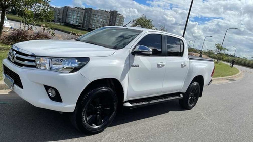 Toyota Hilux 2.8 Cd Srv 177cv 4x4 At 2016