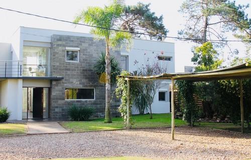Rincon Del Indio Moderna Casa- Ref: 3559