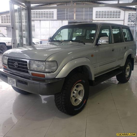 Toyota Burbuja Land Cruiser