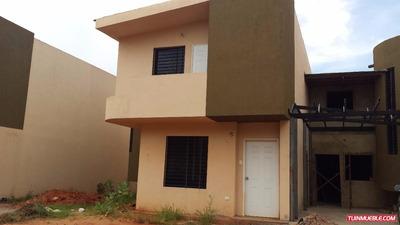 Family House Guayana -townhouses En Venta Ak
