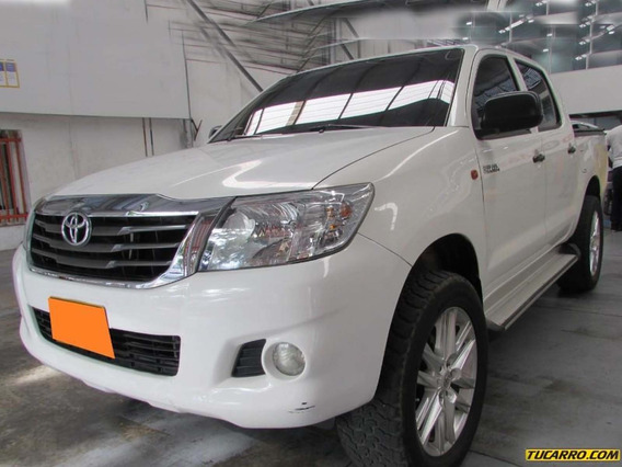 Toyota Hilux 4*4 Diesel 2500 Cc
