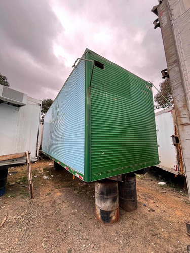 Imagem 1 de 2 de Bau Aluminio 6,80m Caminhao Toco Assoalho Madeira