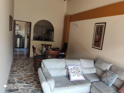 Apartamento En Venta En Medellin Laureles
