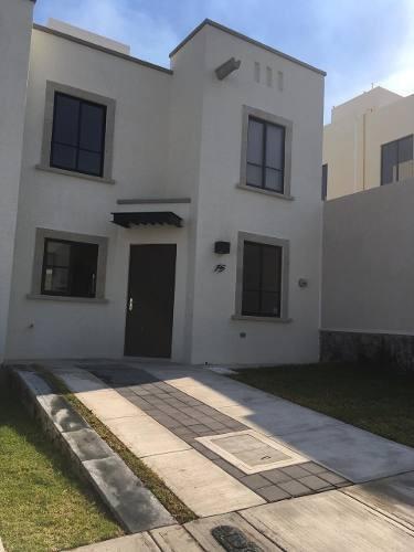 Casa En Renta En Provenza, Zona El Mirador