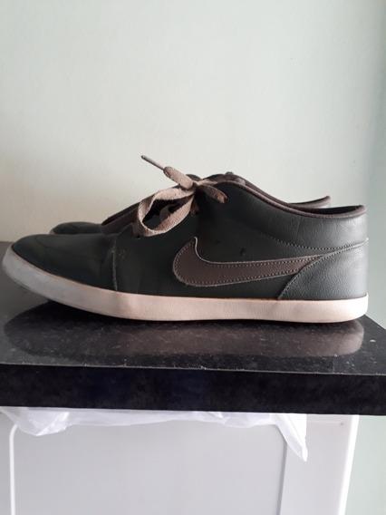 Tênis Nike Futslide