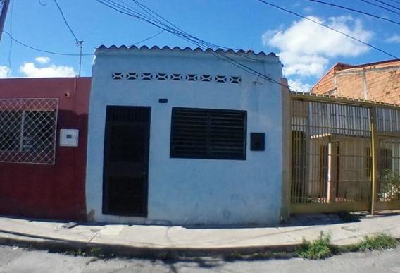 Casa En Venta Barquisimeto Zona Oeste Mls 20-1678 Rbl