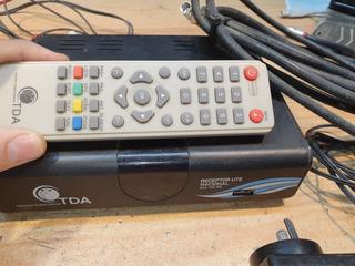 Decodificador Tda Satelital Con Cables Y Control