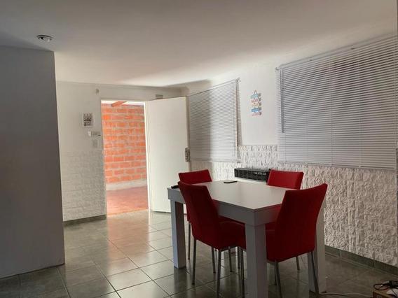 Casa Interna En Venta Dos Dormitorios Con Cochera En Fisherton