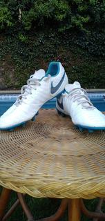 Vendo Zapatillas De Fútbol Nike Poco Uso. Talla 10 Us,44 Eur