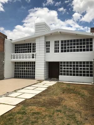 Hermosa Y Amplia Casa