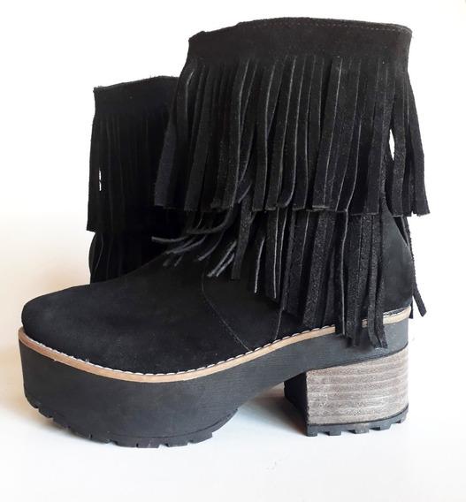 Botas De Gamuza Negras Con Flecos. Talle 37 (grande)