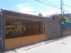 Casa En Venta Santa Ines Valencia Código 20-10375 Raco