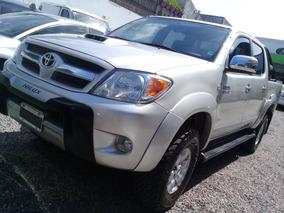 Toyota Hilux 3.0 D/cab 4x4 Srv Lim P/4 - Permuto Financio