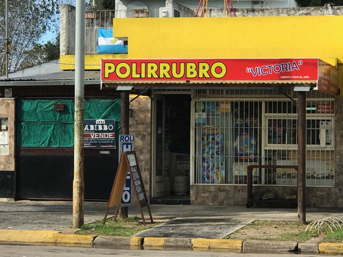 Imagen 1 de 14 de Local Con Vivienda