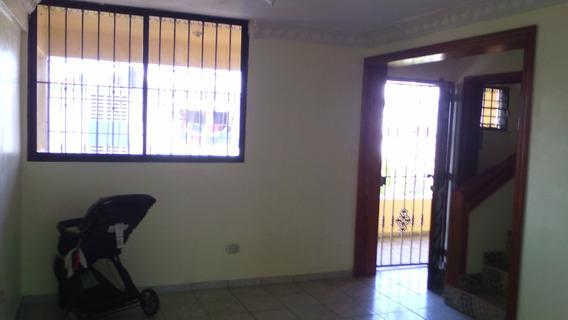 Alquiler Apartamentos Sin Amueblar, 2 Niveles, Zona Colonial