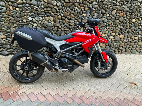Ducati Hyperstrada 821 2014