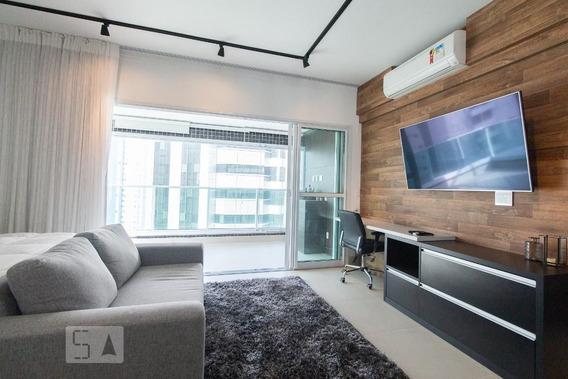Studio No 6º Andar Mobiliado Com 1 Dormitório E 2 Garagens - Id: 892890939 - 190939