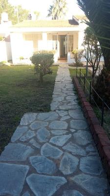 Casa De 4 Ambientes Muy Amplia