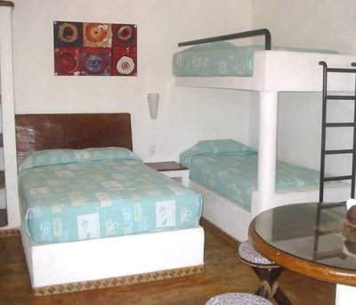 (crm-4510-91) Cad Hotel En Operación, 8 Bungalows, Capacidad 32 Personas, Acapulco Diamante