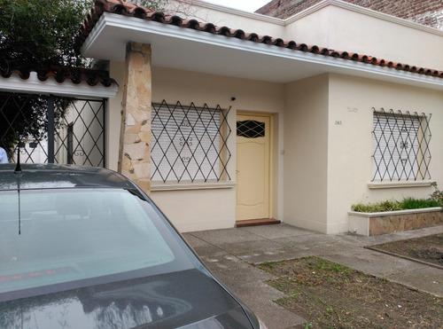 Oportunidad, Casa Con Apartamento Independiente