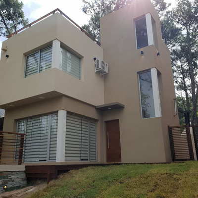 Casa 4 Ambientes 3 Baños Cochera (villazul-bosque)
