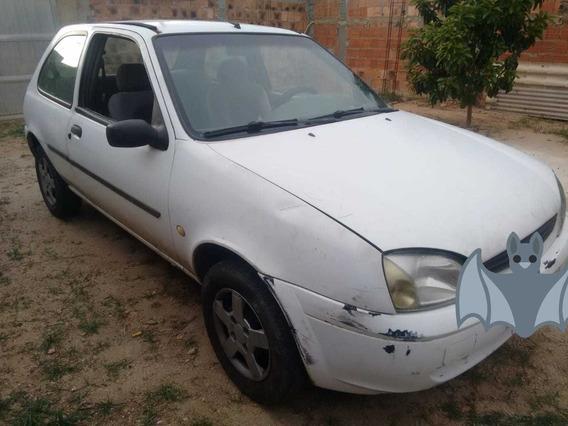 Ford Fiesta Motor 1.0 2002 Branco 3 Portas