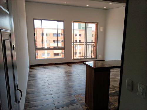 Imagen 1 de 14 de Arriendo Apartamento En Madrid