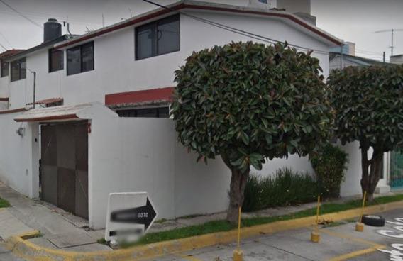 Casa En Remate Bancario En Ciudad Satelite.