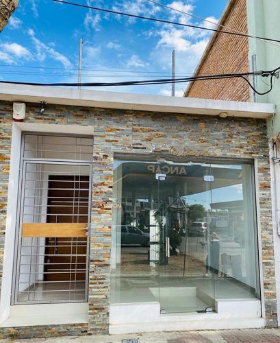 Local Comercial Sobre Av. Artigas