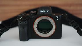 Camera Sony A7ii Full Frame - Muito Nova!! Poucos Clicks!!