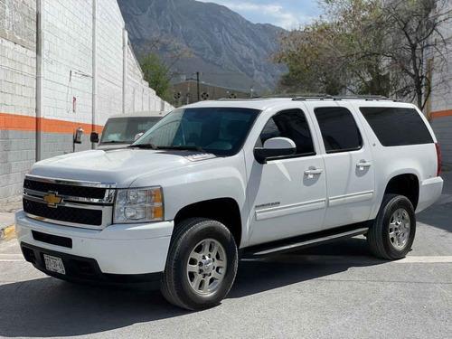 Imagen 1 de 15 de Chevrolet Suburban 2014 5p Lt V8/5.3 Aut 2da/banca