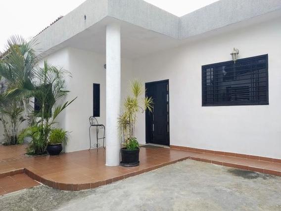 Casa En Venta Urb Villa Ingenio Maracay/ 20-7277 Wjo