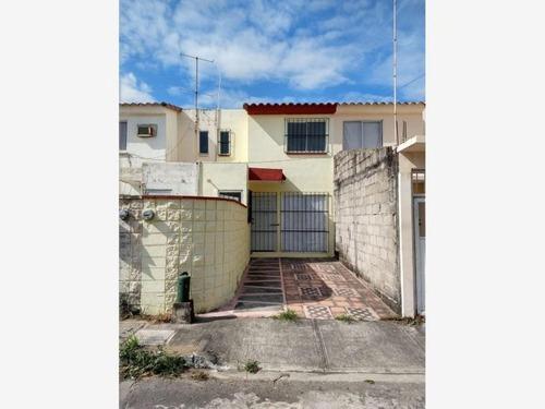 Casa Sola En Venta Frac.geo Villas Los Pinos