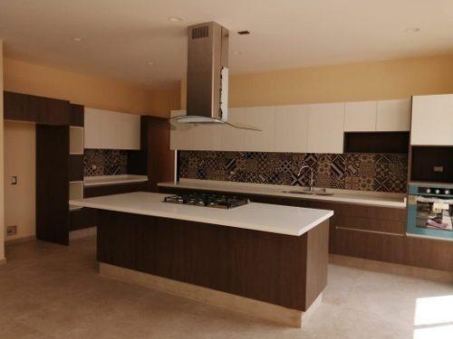 Hermosa Residencia En La Vista Residencial De 4 Recamaras..