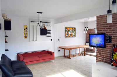 Casa 6 Amb 2 Bañ Coch Fte A Pza España 7 Y 66 $15000